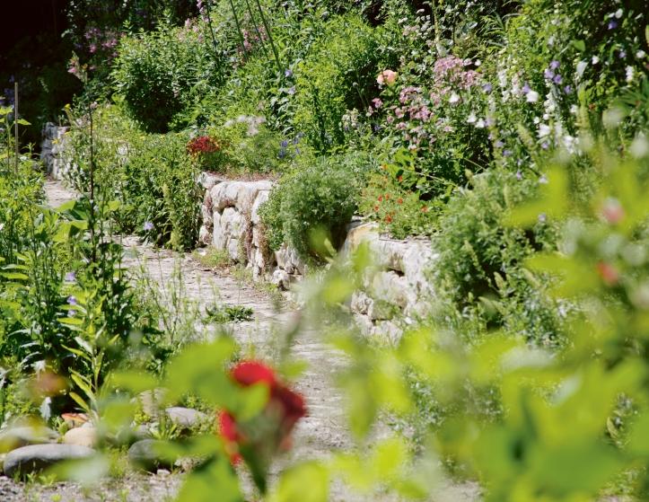 144_Richard_Der gestaltete Naturgarten_(c) Peter Richard.jpg